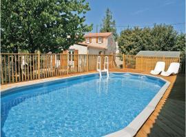 Holiday Home La Touche, Villiers-Couture (рядом с городом Couture-d'Argenson)