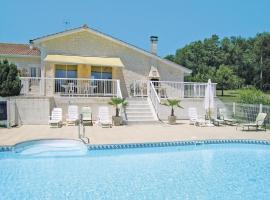 Holiday home Lieu dit le Maine Roy N-771, Pillac (рядом с городом Bors-de-Montmoreau)