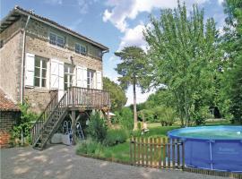 Holiday home Le Vignaud L-778, Saint-Germain-de-Confolens (рядом с городом Oradour-Fanais)