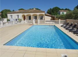 Holiday home Castillon-du-Gard UV-1300, Saint-Bonnet-du-Gard
