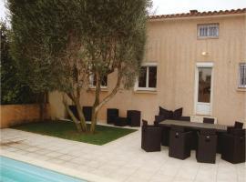 Four-Bedroom Holiday Home in Espira de l'Agly, Espira-de-l'Agly (рядом с городом Кас-де-Пен)