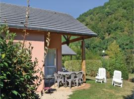 Holiday home Saint Geniez d´Olt 13 with Outdoor Swimmingpool, Сен-Женье-д'Оль (рядом с городом Sainte-Eulalie-d'Olt)