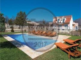 Three-Bedroom Holiday Home in Cetina, Cetina (рядом с городом Vrlika)