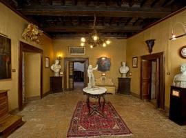 Castello di Fumone, Fumone (Ferentino yakınında)