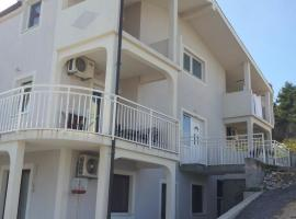 Apartments Holiday Gavric, Трогир (рядом с городом Miševac)