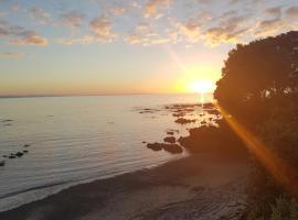 Te Kaha Beach Resort, Te Kaha