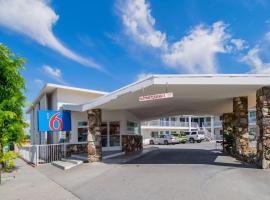 Motel 6 San Bernardino, CA - Downtown, San Bernardino (in de buurt van Serrano Village)