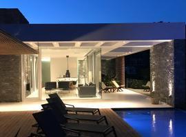 A - Luxury Villas, Пломарион (рядом с городом Plagiá)