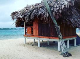 Isla Franklin, Cabaña Madera, Cartí Satubgua