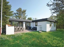 Three-Bedroom Holiday home Thyholm with a Fireplace 06, Sønder Ydby