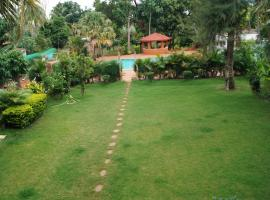 Hotel Badami Court, Бадами