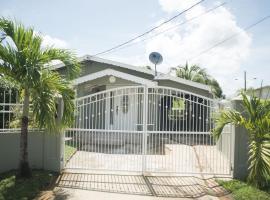 Home away from home, Chaguanas (in de buurt van Claxton Bay)