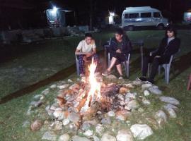 Camp River View Yumunotari, Barkot (рядом с городом Kutnaur)