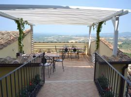Il Palazzetto Dei Conti Ancajani, Tenaglie (Montecchio yakınında)