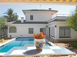 Holiday home c Mimosas, Комарруга (рядом с городом Roda de Bará)