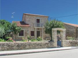 Four-Bedroom Holiday Home in La Zarza de Pumareda, La Zarza de Pumareda (Mieza yakınında)