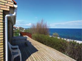 Two-Bedroom Holiday home with Sea View in Sjællands Odde, Yderby (Havnebyen yakınında)