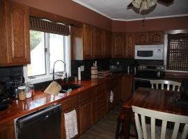 Charming Home Near Ski Areas, Rumford