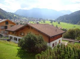 Fajätsch über dem Bach, Klosters Dorf