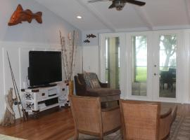 Beautiful Riverfront Home Home, Merritt Island (in de buurt van Cocoa)