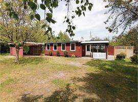 Three-Bedroom Holiday Home in Ronne, Rønne (Arnager yakınında)