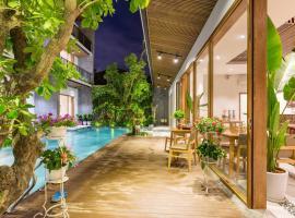 Tam House Villa Hotel