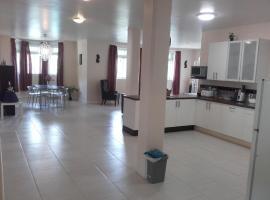 Campeche Villa, Méro (Blizu: Salisbury)