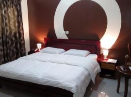Hotel Lamirol, Abidjan (Niangon-Lokoa yakınında)