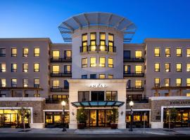 Enjoy Breakfast At Hotels Near Sonoma Plaza