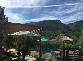 Petit 2P au coeur des montagnes, Puget-Théniers (рядом с городом La Penne)