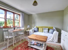 The Garden Apartment, Forden