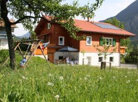 Chalet Montafon, Vandans (Sankt Anton im Montafon yakınında)