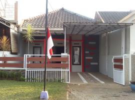 Mutiara Jingga House