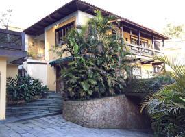 Suites San Sebastian, Petrópolis (Meio do Serra yakınında)