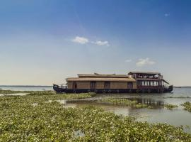 Houseboat with a rustic touch in Kottayam, by GuestHouser 32674, Kottayam (рядом с городом Manganam)
