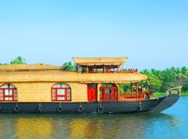 Houseboat for a serene stay in Kottayam, by GuestHouser 32681, Kottayam (рядом с городом Manganam)