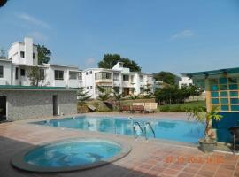 Bluehills Resort, Mettuppālaiyam