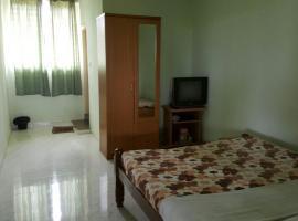 Guesthouse room in Srimangala, Kodagu, by GuestHouser 22581, Srimangala (рядом с городом Irpu)