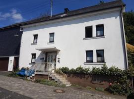 Ferienwohnung Haus Bauer, Neunkirchen (Burbach yakınında)