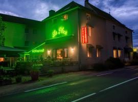 Hotel Restaurant La Place, Мале (рядом с городом Burnand)