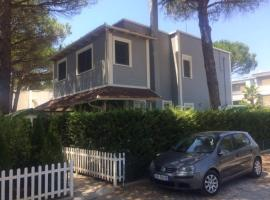 Holiday Home at Lalzi Bay/ Lura Resort, Durrës (Mullini i Danit yakınında)