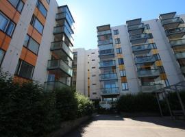 Bright and spacious studio apartment in Matinkylä, Espoo - Puolikkotie 6, Эспоо (рядом с городом Haukilahti)