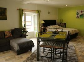 Appartement T1, Dun-les-Places
