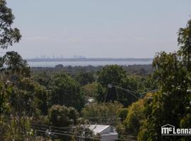 6 Bedrooms/9 Beds Huge House|City+Park Views|Beach, Frankston (Carrum Downs yakınında)