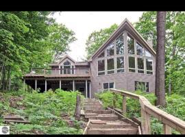 Little's Lake House