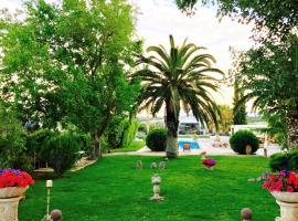 Villa Vravrona Tower & Suites, Markopoulon