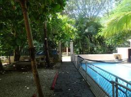 Casa Playa, Potrero
