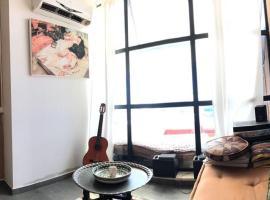 Mediterranean apartment, Giv'at Olga