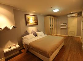 Clean Cozy Comfort easy to go Grand Palace&Khaosan