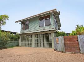 18 Northbeach Place, Mudjimba Beach - Pet Friendly, Linen Included, WIFI